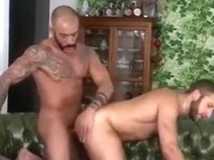 Flip Flop Fuck of muscle guys