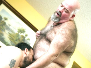 Dirk Grizzly and Chase Woofer - HairyAndRaw