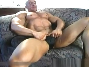 bodybuilder in black posers